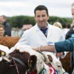 Принц Вільям оглянув британських биків