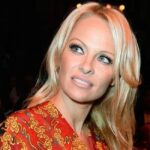 Памела Андерсон відвідала Паризький тиждень моди