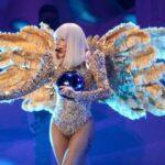 Леді Гага змушена була скасувати кілька концертів