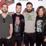 Група Bastille дражнить фанів новими піснями