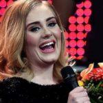 Адель визнали найпродаванішою виконавицею 2015 року
