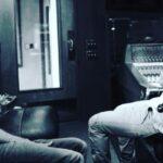 Джастін Тімберлейк зображений у студії з Фарреллом Вільямсом. Планується сумісний трек?