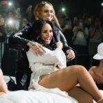 Пригадується Брітні Спірс із Мадонною: Демі Ловато завершила американські гастролі поцілунком із Kehlani