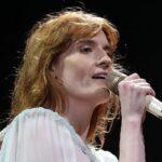 Гурт Florence + The Machine анонсував реліз бокс-сету з нагоди ювілею «Lungs» і поділився двома раніше нечутими піснями